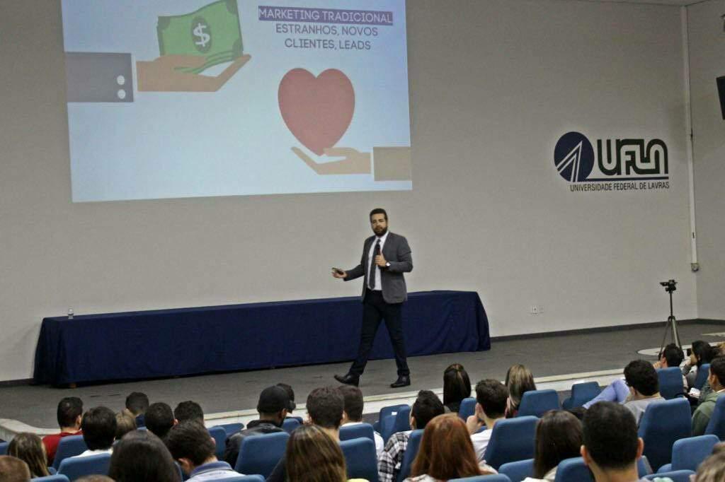 palestras de marketing de relacionamento para empresas